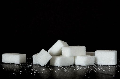 Valdantieji cukraus mokesčio neplanuoja, verslas kalba apie žalą cukraus sektoriui
