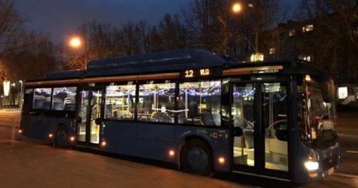 """Miestą papuošė """"Kalėdiniai autobusai"""""""