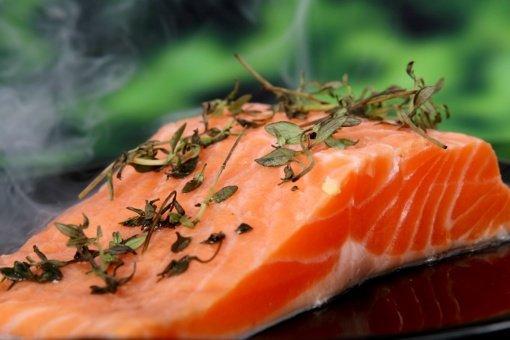 Į ką atkreipti dėmesį perkant šviežią žuvį