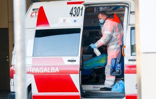 Per praėjusią parą nustatyta 717 naujų COVID-19 atvejų, mirė 18 žmonių