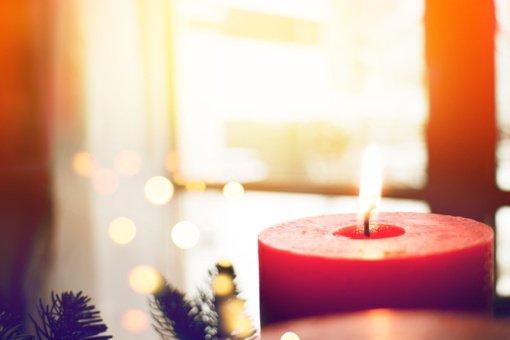 Kalėdų burtai: kaip žvakių liepsna išpranašauja ateitį