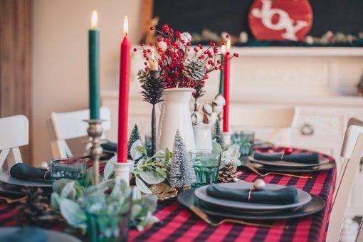 Artėja šventės: kaip nepersivalgyti sėdus prie stalo
