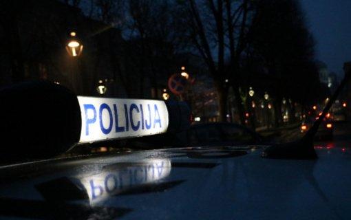 Kauno pareigūnai sulaikė nusikalstamomis veikomis įtariamą kolegą iš Alytaus