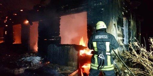 Martušių kaime degė medinis namas
