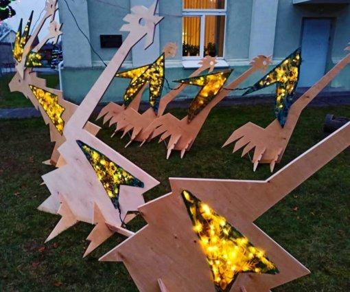 Įspūdingoje Salantų kalėdinėje instaliacijoje – gaidys. Sužinokite, kodėl!