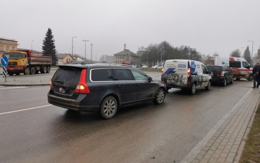 Praėjusią parą per eismo įvykius nukentėjo 11 žmonių