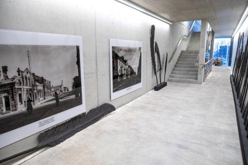 Prisikėlimo aikštės apžvalgos aikštelės laikina parodų galerija