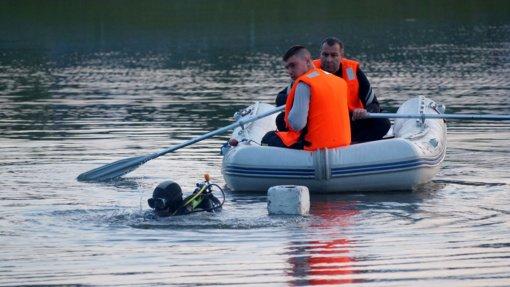 Papiškių kaime iš ežero ištrauktas vyro kūnas
