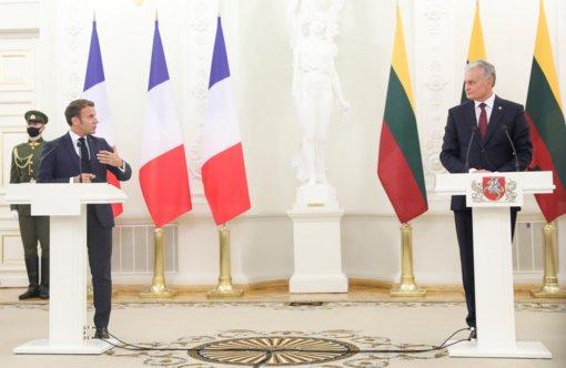Strateginė dilema: lietuviai vienodai remtų JAV ir Prancūziją, jei šių valstybių požiūriai į saugumą išsiskirtų