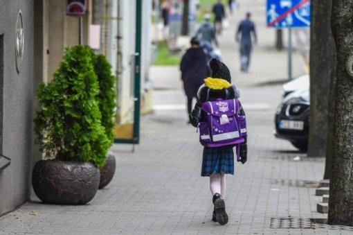Privalantiems eiti į darbą tėvams – galimybė naudotis mokyklų paslaugomis