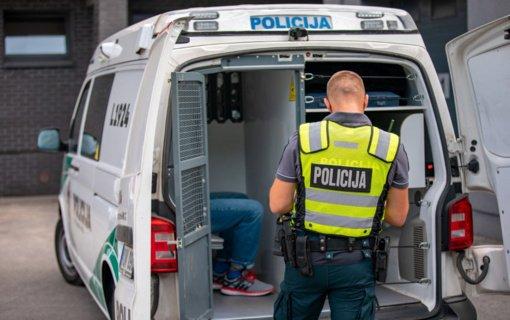 Kretingos pareigūnai baigė tyrimą dėl sukčiavimo parduodant išsinuomotus automobilius