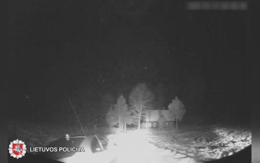 Rokiškyje tikros gaudynės: pareigūnai sulaikė girtą bėglį (vaizdo įrašas)