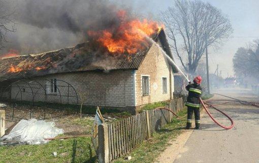 Nors gaisrų skaičius pernai mažiausias per 17 metų, žuvusiųjų juose gerokai daugiau