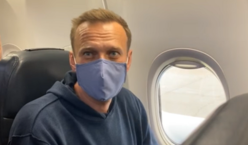 A. Navalno lėktuvas nusileido Maskvoje