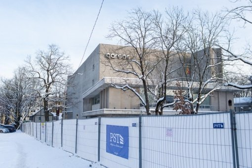 """Kultūros ministras prašo laikinai stabdyti Panevėžio """"Garso"""" kino teatro griovimą"""