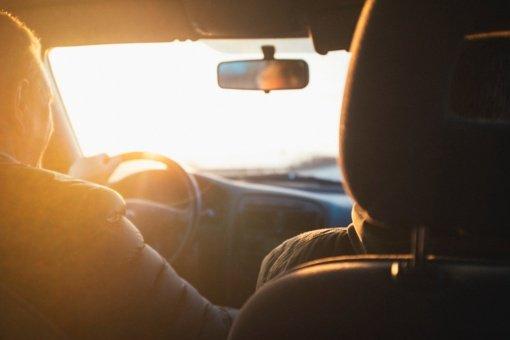 """""""Regitra"""" pratęsė per karantiną baigusių galioti pradedančiųjų vairuotojo pažymėjimų terminą"""
