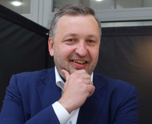 Iš Seimo pasitraukti žadantis A. Guoga prašo atidėti klausimo dėl jo mandato svarstymą