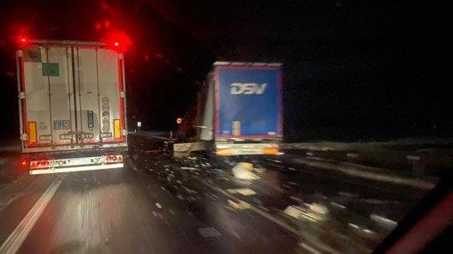 Avarijoje žuvo Rusijos ir Latvijos piliečiai, kelias Marijampolė-Suvalkai lieka uždarytas