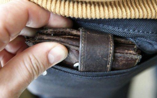 Telšių pareigūnai įspėja apie kišenvagius