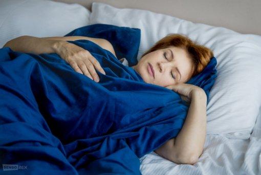 Sunkių antklodžių fenomenas: miegosite tarsi apkabinti mylimo žmogaus