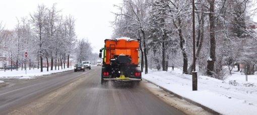 Šiaulių gatves užvertė sniegas, gyventojų prašoma kantrybės ir supratingumo