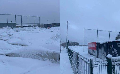 Sniego neatlaikė Vilniaus Pilaitės gimnazijos stadiono kupolas