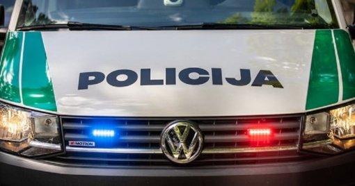 Savaitgalio suvestinė: rastas kūnas, pavogtas automobilis, apgadinti traukinio vagonai