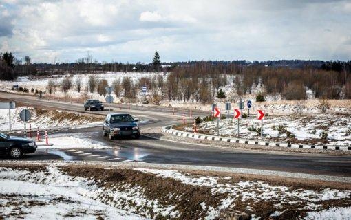 Ministerija pripažįsta: savivaldybėms skiriamos lėšos kelių priežiūrai – per mažos