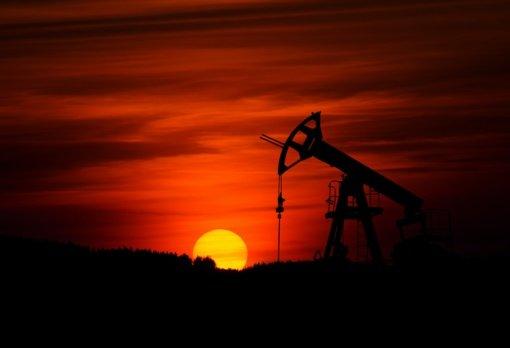 Metų aukštumas pasiekusios naftos kainos nesustoja