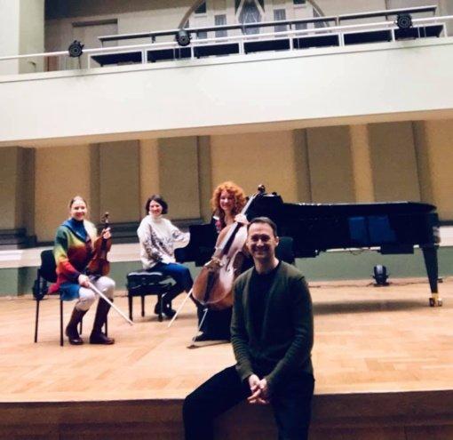 Išsiilgusiems vokalinės kultūros Kauno filharmonija rengia susitikimą su operos dainininku E. Montvidu