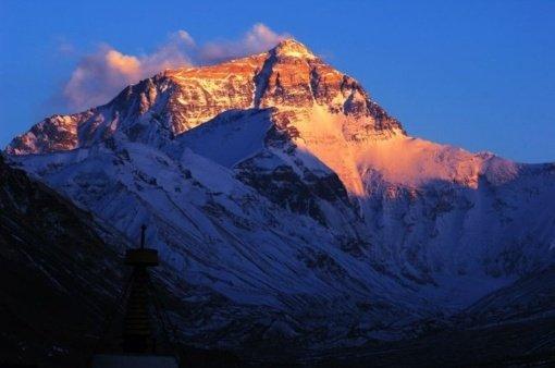 Atitrūkus Himalajų ledyno daliai žuvo 3, dingo 150 žmonių
