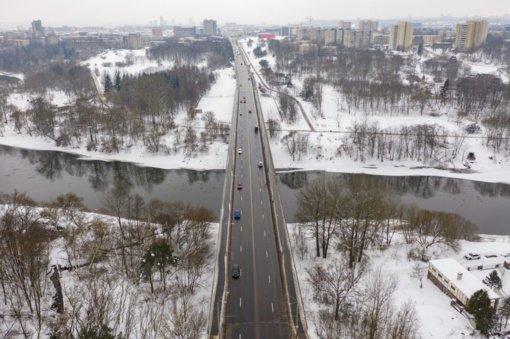 Valakampių tiltu bus draudžiamas sunkiojo transporto eismas