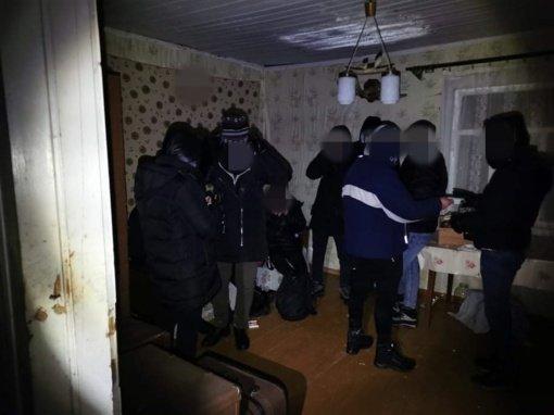 Neteisėtai į Lietuvą patekę irakiečiai bandė sušilti negyvenamoje Ignalinos rajono sodyboje