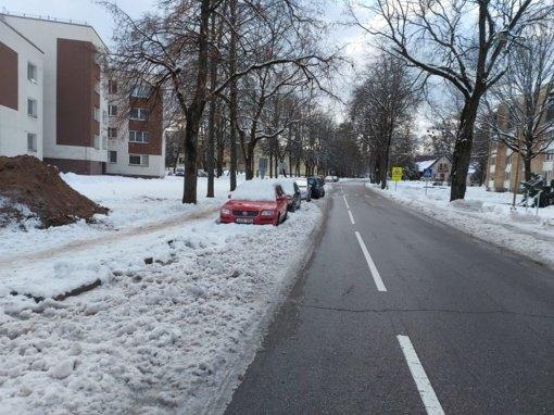 Birštoniečių prašoma atlaisvinti gatves sniego valytuvams
