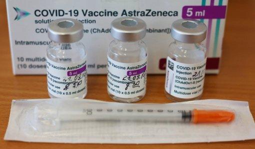 """""""AstraZeneca"""" paskiepyti gyventojai revakcinuotis kito gamintojo vakcina negalės"""