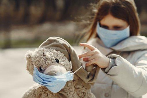 Oksfordo universitetas ketina išbandyti vakciną nuo COVID-19 su vaikais
