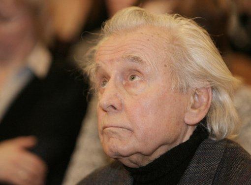 Mirė Lietuvos žurnalistikos pedagogas, spaudos istorikas B. Raguotis