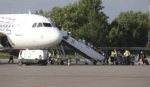 ES ketina įsileisti pilnai nuo COVID-19 pasiskiepijusius keliautojus