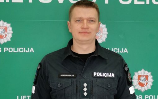"""Ignalinos policijos pareigūnas apdovanotas ordino """"Už nuopelnus Lietuvai"""" medaliu"""