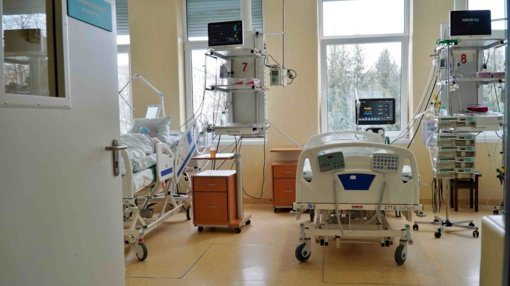 Lietuvoje ir toliau auga dėl COVID-19 į ligonines guldomų žmonių skaičius