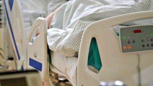 """Aiškinamasi, ar Lietuvoje registruoti tromboembolijos atvejai sietini su """"AstraZeneca"""" vakcina"""