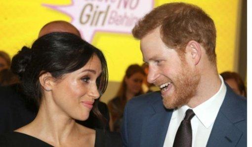 Princas Harry'is su žmona Meghan galutinai atsisako karališkųjų pareigų