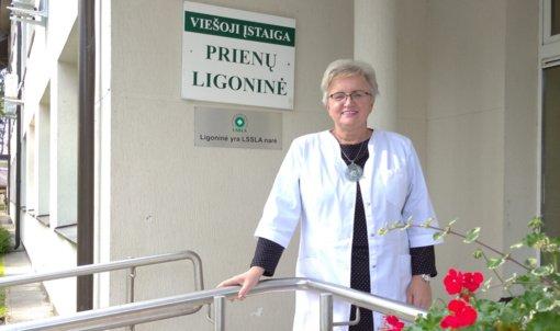 Prienų ligoninės direktorė Jūratė Milaknienė LR Prezidento dekretu apdovanota Žūvančiųjų gelbėjimo kryžiumi