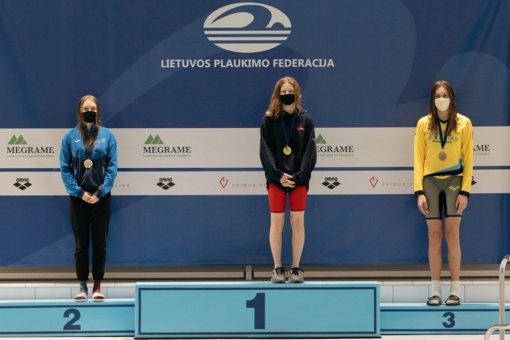 """""""Delfinas"""" sublizgėjo Lietuvos plaukimo žiemos pirmenybėse"""
