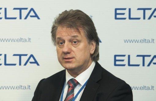 S. Čaplinskas: siūlymas drausti medvilninių kaukių dėvėjimą yra neadekvatus