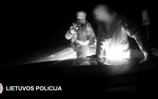 Norėdamas pasprukti nuo policijos Šalčininkų rajono gyventojas taranavo pareigūnų automobilį (vaizdo įrašas)