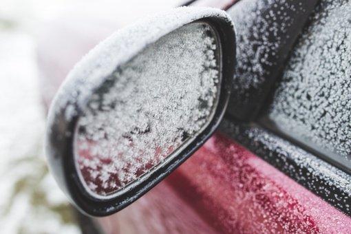 Sostinėje apvogti trys BMW automobiliai: ilgapirščiai nusitaikė į veidrodėlius