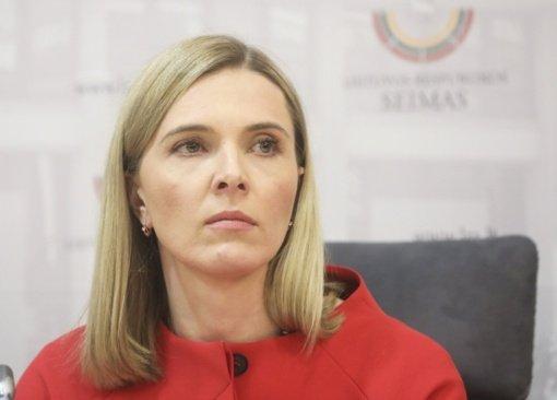 A. Bilotaitė siūlo svarstyti atsakomybę už neteisingą informaciją apie skiepus
