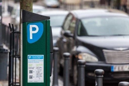 Už automobilių stovėjimą sostinėje surinkta apie 10 milijonų eurų – kam skiriamos šios lėšos?
