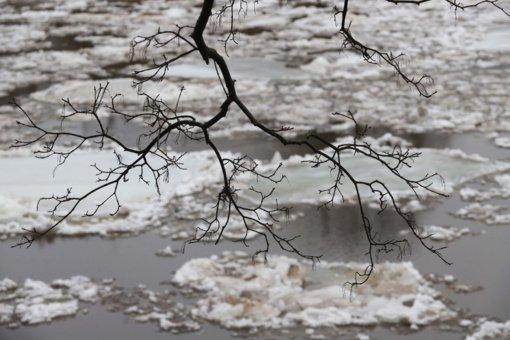 Orai: žiema ir toliau kliudys pavasariui